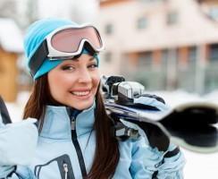 Pielęgnacja włosów zimą. Jak zadbać o włosy będąc na nartach?