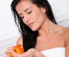 Wszystko, co musisz wiedzieć o olejowaniu włosów (FAQ)